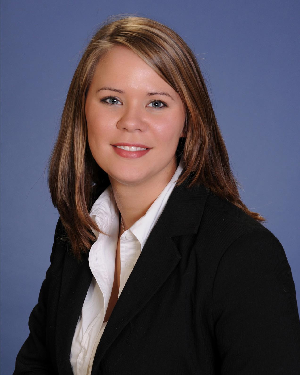 Headshot of Laura Kinney